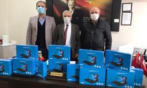 Soma TSO'dan Kırkağaç'lı öğrencilere tablet desteği