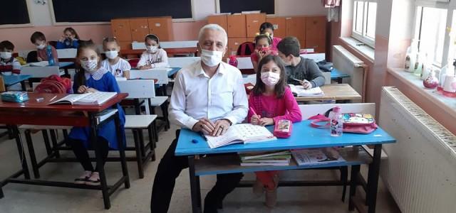 Yalçınkaya'dan okullara moral ziyareti